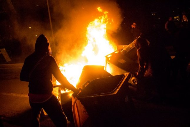 Paris suburbs: Locals blame 'aggressive' cops as tensions simmer