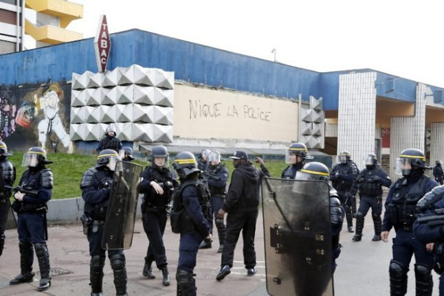 French police conclude 'anal rape' of suspect with cop's truncheon was an accident