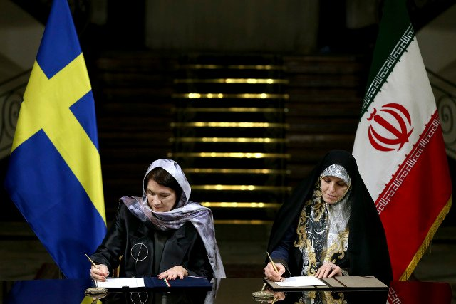 Swedish minister responds to Iran headscarf criticism