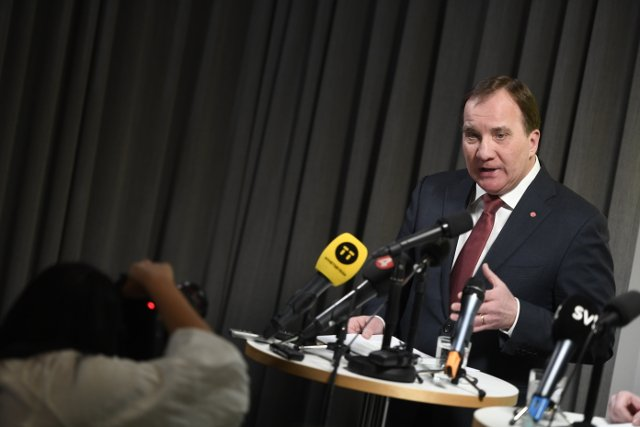 Swedish PM seeks to cut inflow of foreign workers