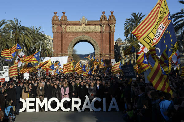 Thousands protest as Ex-Catalan president stands trial over independence vote