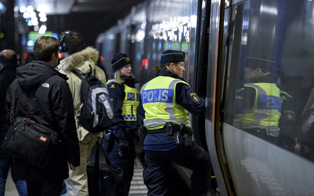Sweden to carry out I.D. checks on board trains from Denmark