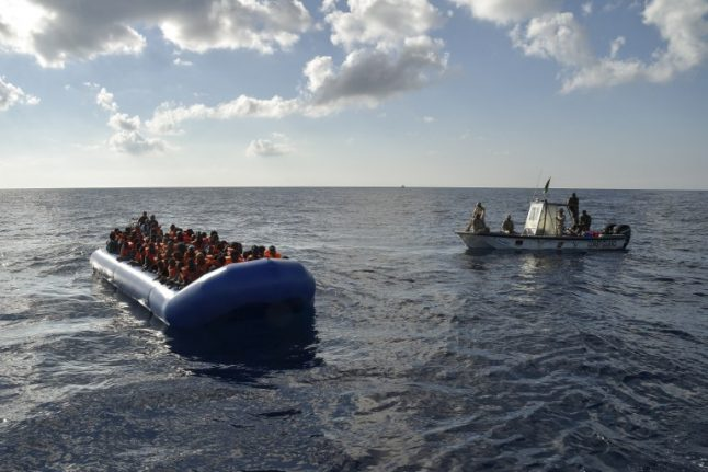 Italy migrant rescues hit record as 900 more saved