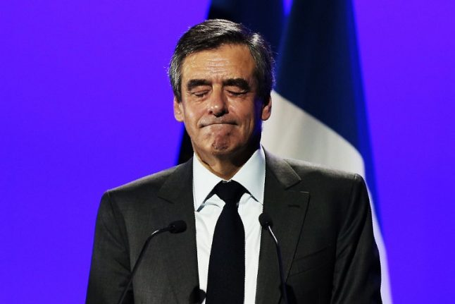 Suit alors! Fillon to be probed by police over clothing gifts worth €48K