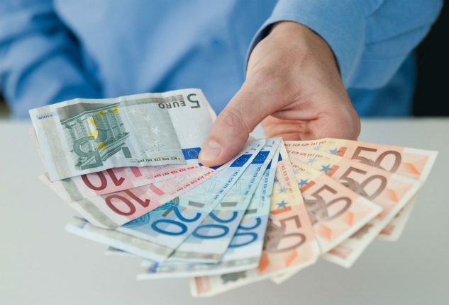 German wages rise strongly for third year in row