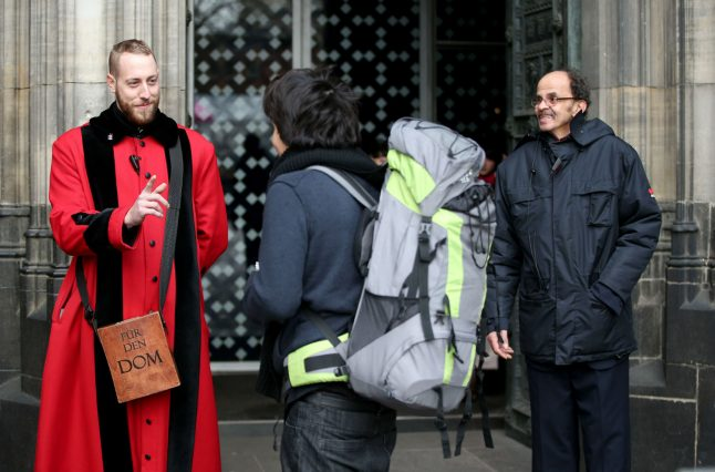 Bag ban at Cologne cathedral leaves visitors seething
