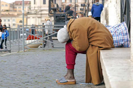 Jealous Italian admits burning homeless man alive