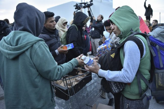 Calais bans charities from giving food to migrants near 'Jungle' camp