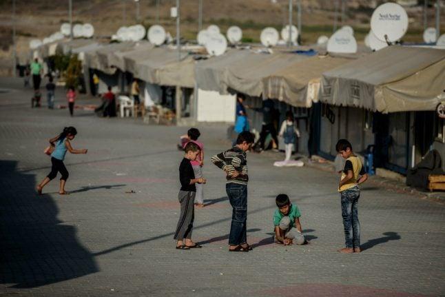 Lower asylum numbers leave Danish state 400 million kroner better off