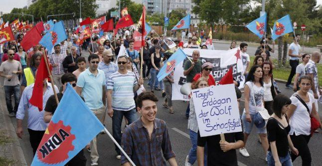 Austria warns Turkish minority of crackdown risk in Turkey