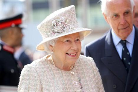 Queen to receive Spanish king in June, then Trump