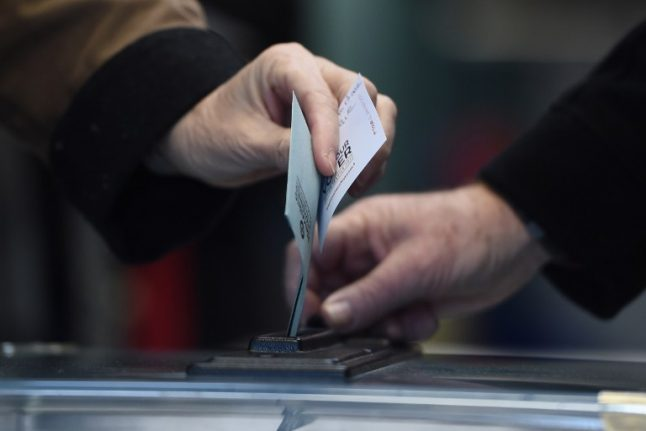 France approves 11 candidates for presidential race