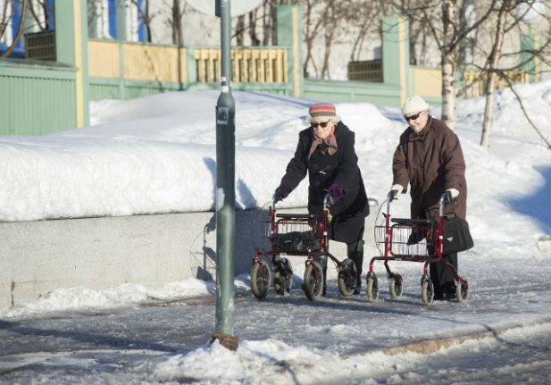 What's the secret to long life? Have children, Swedish experts say