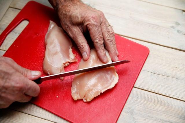 Don't eat fresh chicken in Sweden, expert warns