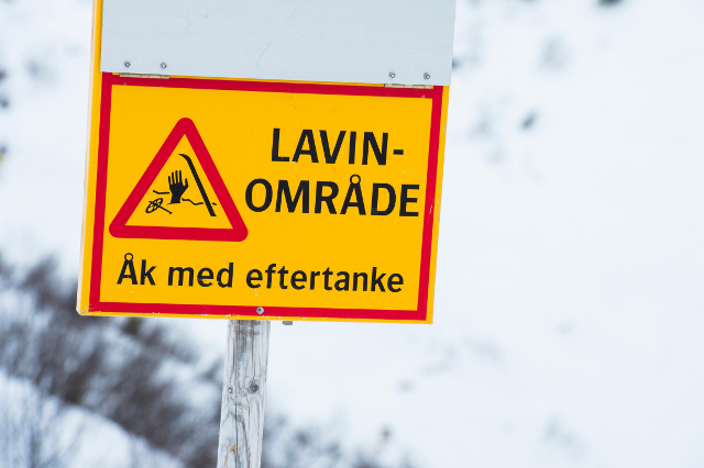 Two people rescued after being stuck in Swedish mountains
