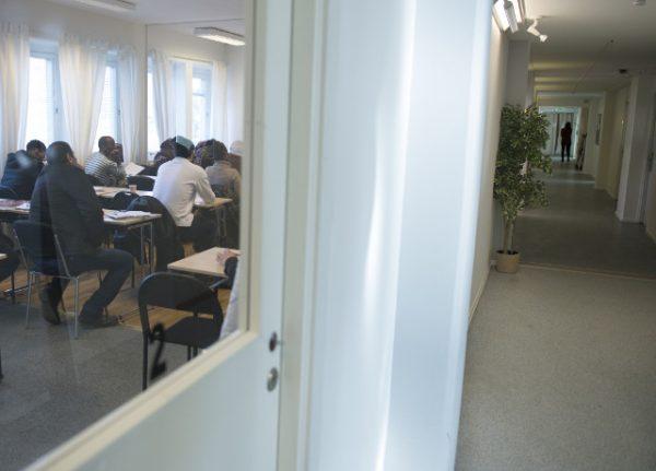 Sweden begins new asylum seeker age assessment tests