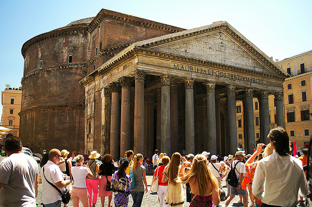 Woman arrested for damaging Pantheon's ancient candelabra