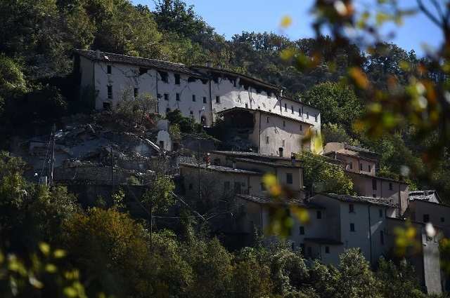 'After the earthquakes, we must pull together and show that central Italy is open for business'
