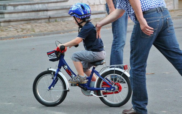 France is about to make bicycle helmets compulsory for kids