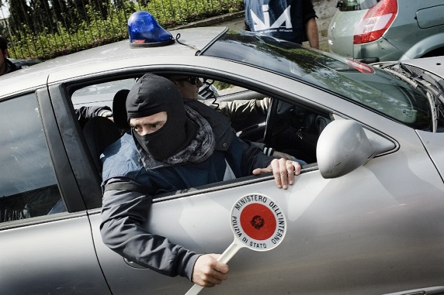 Naples police uncover mafia links to university, museum, and crematorium