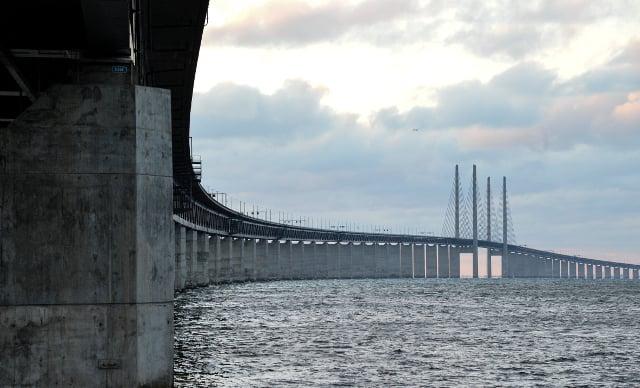 Car drove 15 km wrong way on Öresund bridge without crashing