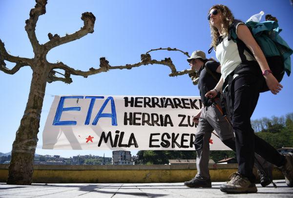 ETA launches internal debate after unilateral disarmament