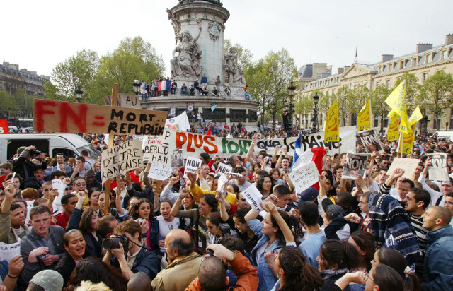 Why are the French not marching against Le Pen like in 2002?