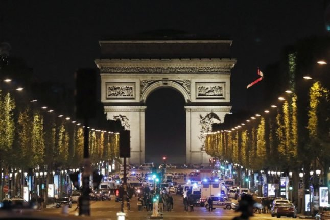 Champs Elysées terror shooting sees shoppers, diners and tourists flee in panic
