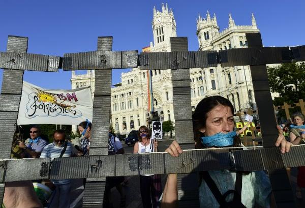 Spain's gag law slammed in press freedom report