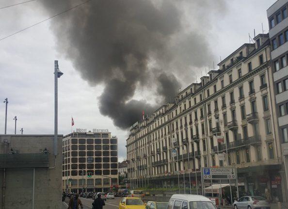 Large fire destroys Geneva hotel