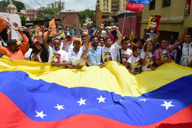 Pope Francis offers to act as mediator in Venezuelan conflict