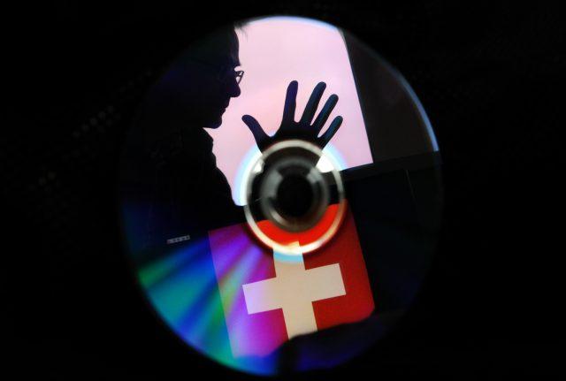 Swiss spy 'ran mole' in German tax office: report