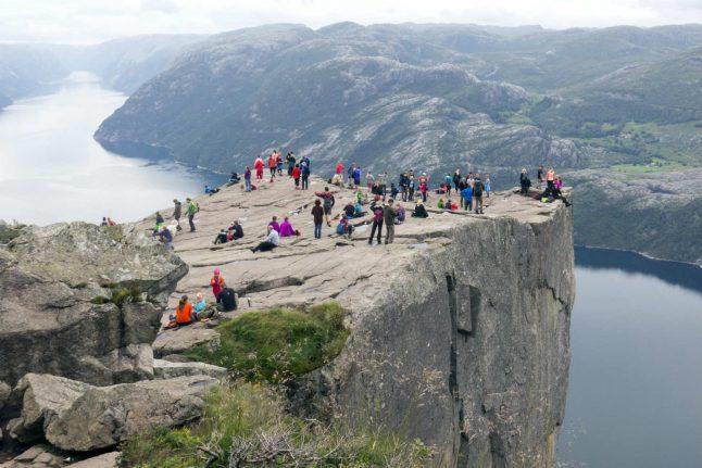 Google Maps error sends hundreds of tourists to quiet Norwegian village