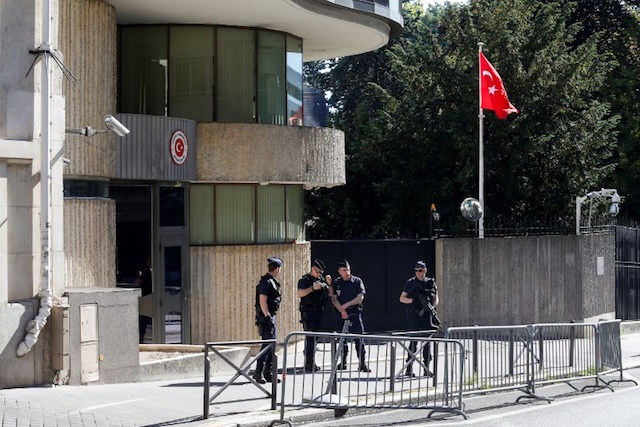 Macron presses Turkey over detained French photojournalist