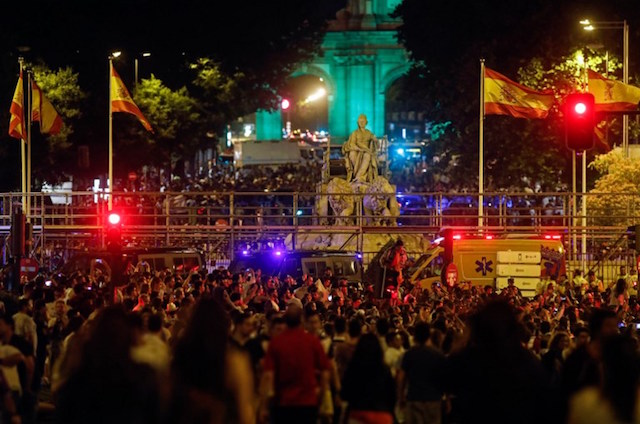 Football: Ronaldo heroics spark Madrid street party