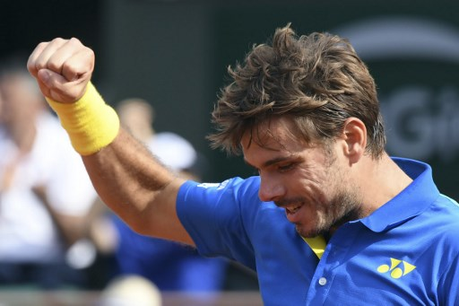 Wawrinka eases through to French Open quarterfinals