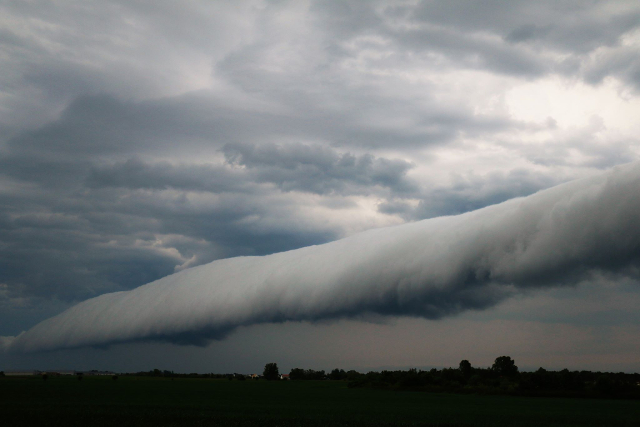 In pictures: 'Apocalyptic' cloud spotted in southern Sweden