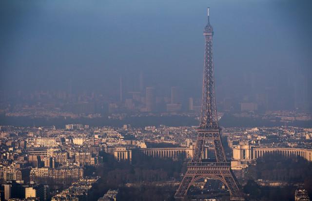 Asthmatic yoga teacher sues France after 'near death' during Paris pollution spike
