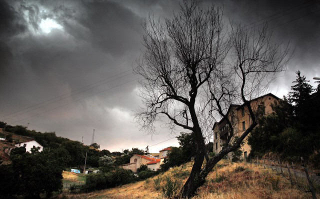 South western and central France placed on alert for violent storms