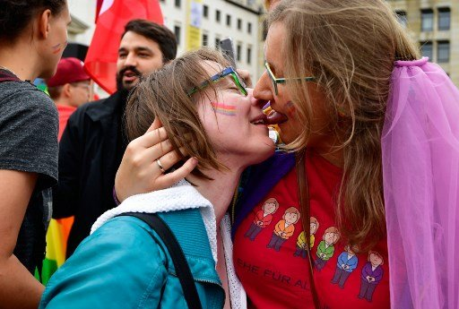 Hopes rise for gay marriage in Switzerland