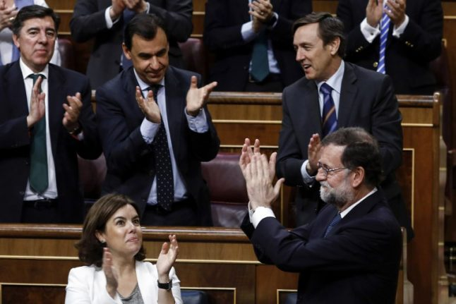 Spanish government survives confidence vote over graft