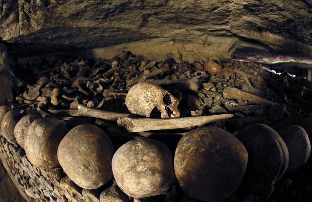 Paris: Teenagers endure three-day ordeal lost in catacombs