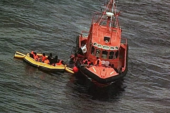 Over 400 migrants rescued at sea in Spain in past week