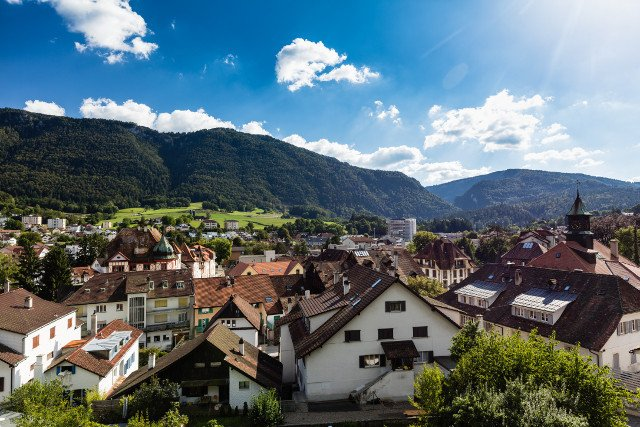 Moutier makes historic decision to leave canton Bern