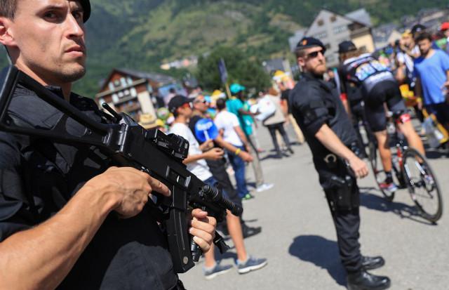Elite French anti-terror police to follow Tour de France riders
