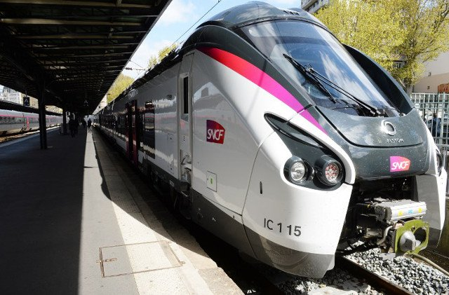 Drunk train driver in France skips first stop on route from Paris