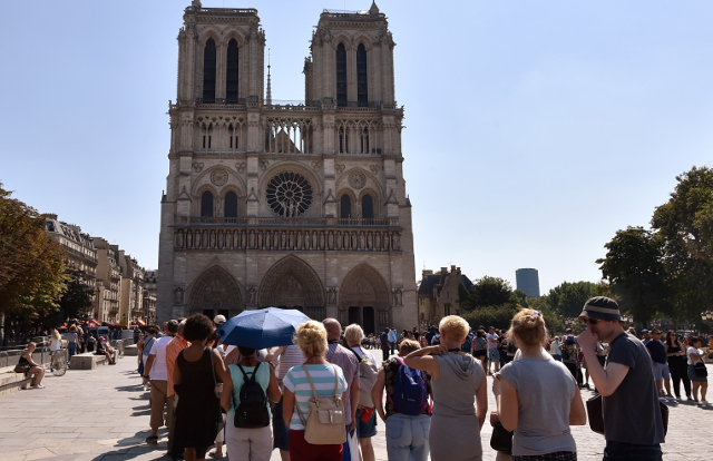 Paris: French appeal to Americans to help patch-up Notre-Dame cathedral
