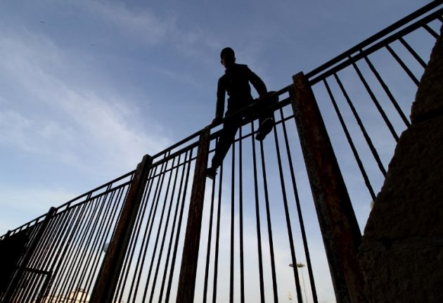 Child migrants risk lives to reach Europe from… Spain