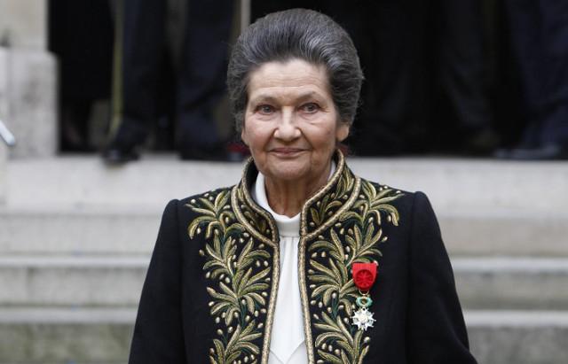 Simone Veil: French Auschwitz survivor who legalised abortion dies aged 89