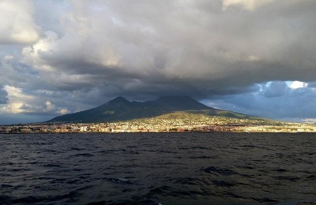 Tourists evacuated as fire rages close to Vesuvius
